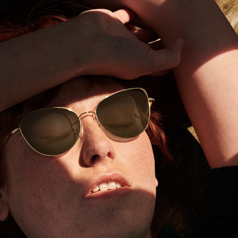 monkeyglasses for sale at van der Geest Optiek - sunglasses model in the sun - regina