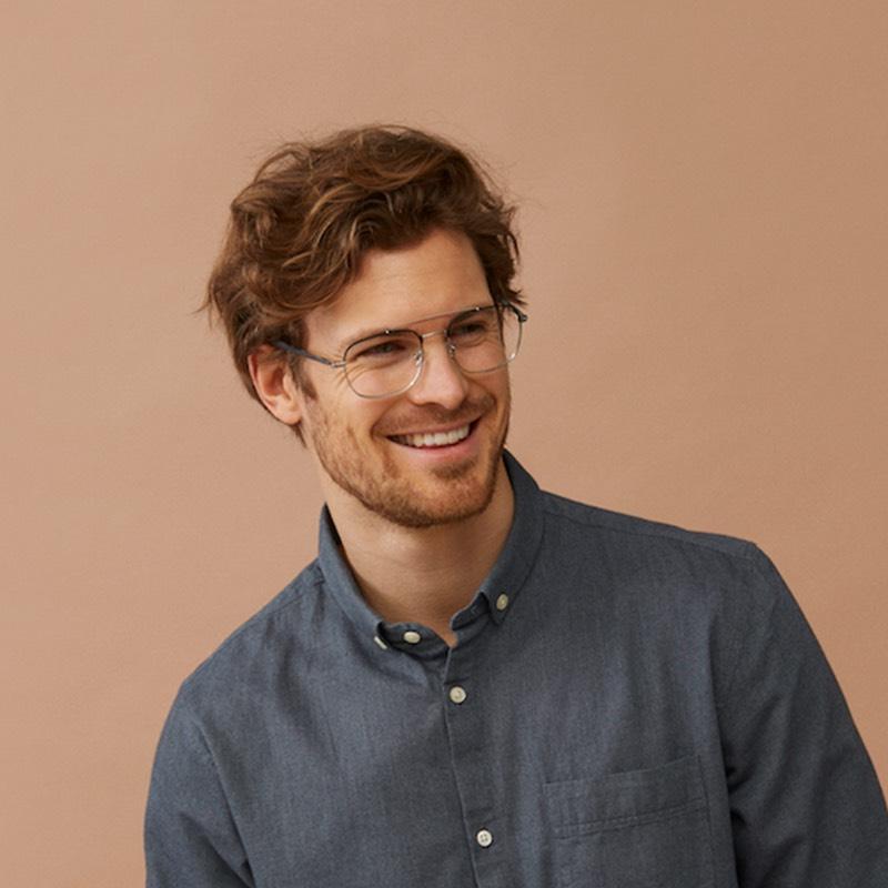 monkeyglasses te koop bij van der Geest Optiek - smiling man glasses haarlem monkey glasses