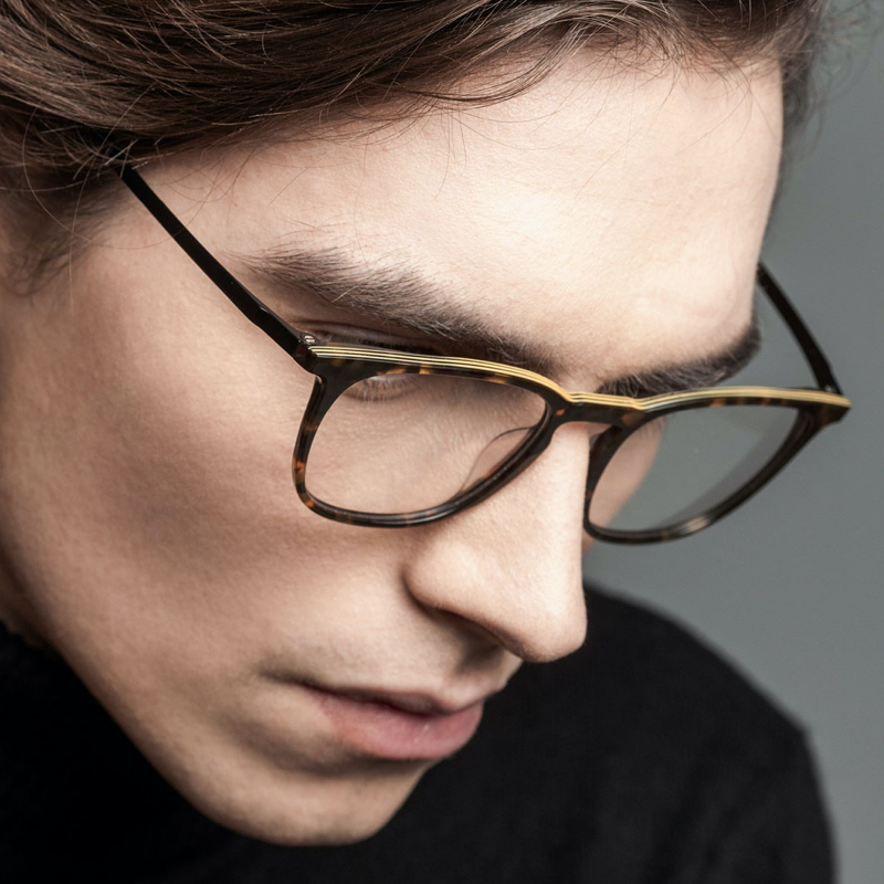 Morel - oga - glasses - model - man 2 - van der geest optician